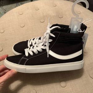 wild fable Shoes - NWT Wild Fable Carissa High Top Sneakers